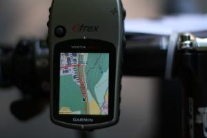 Navigationsgerät mit Streckenführung (rot)